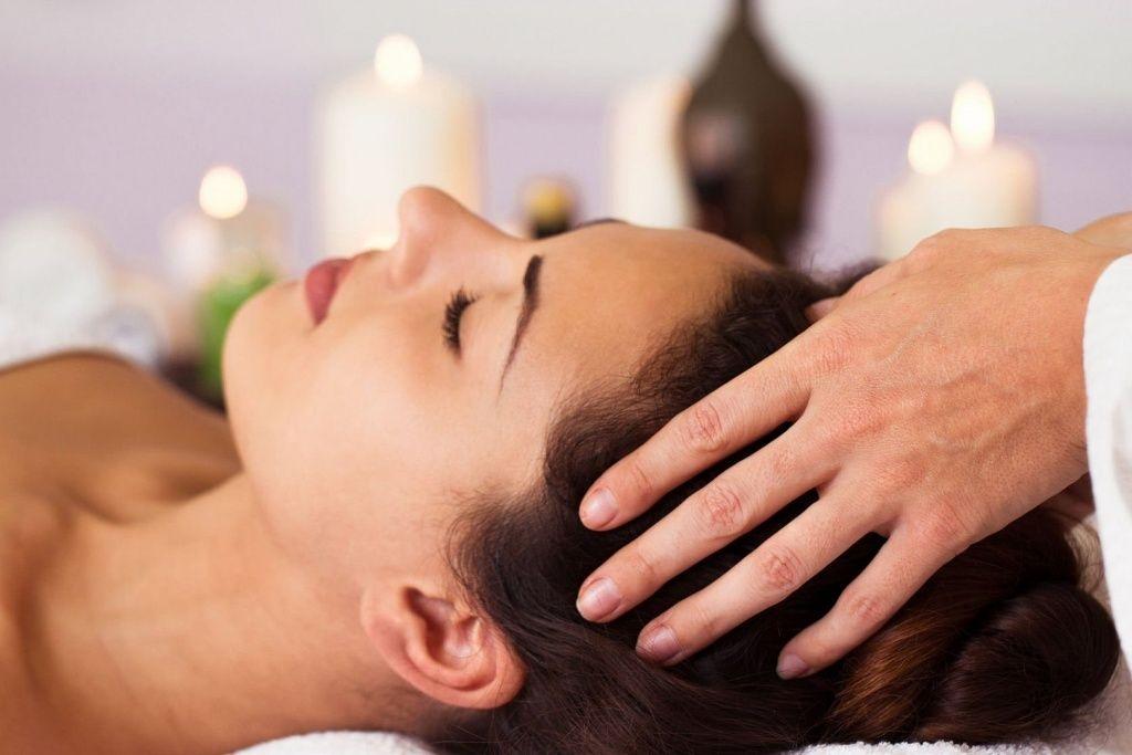 Регулярный массаж - лучший способ побаловать нашу голову! Массаж позволяет максимально расслабиться, улучшает кровообращение, снимает головную боль. Это одновременно простая и эффективная процедура, которая: 🔸избавляет от головной боли; 🔸снимает стресс и напряжение; 🔸приводит в норму сон и биоритмы; 🔸стимулирует рост волос; 🔸сохраняет красоту волос; 🔸препятствует выпадению волос. Длительность процедуры :15 мин. Стоимость процедуры : 350 руб По всем вопросам можете обращаться по 📞 89237771928 С уважением Ваш мастер Екатерина.